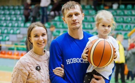 Сергей Токарев: «С Сашей Кауном играли вместе до девятого класса. Пока он не уехал в Америку»